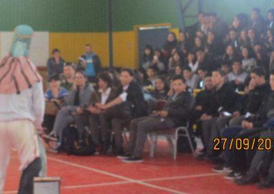 Presentaciones en liceo Santa Maria La Blanca de Valdivia (7)